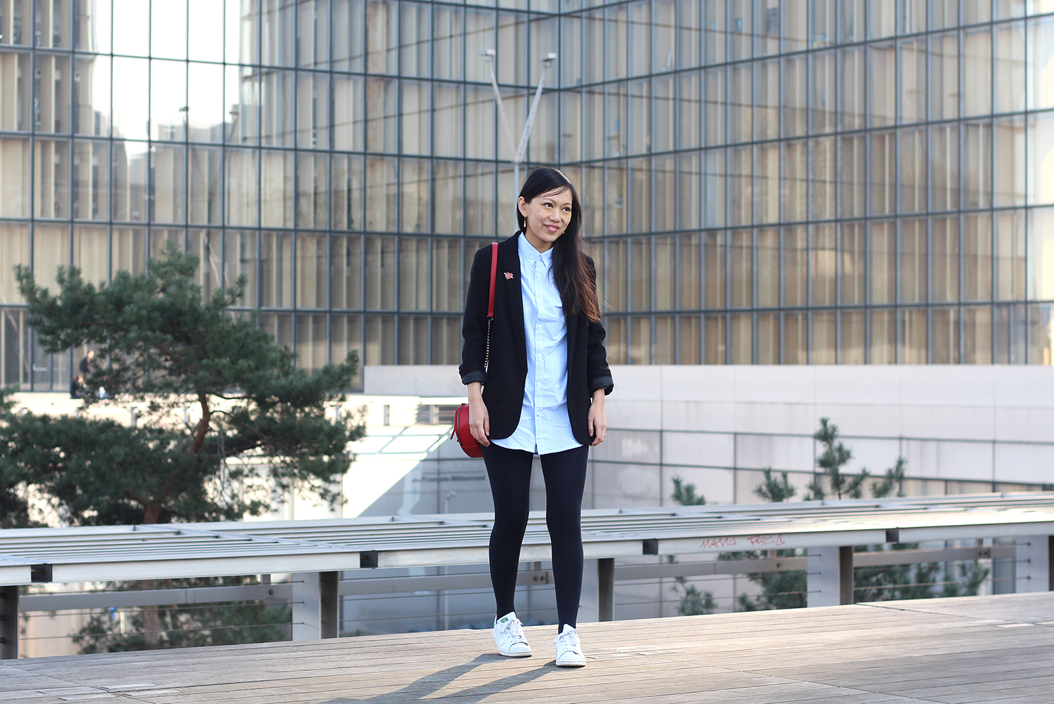Petite and So What - Tenue trop de love - Sac Zara, Stan Smith, Blazer Top Shop Petite et Stan Smith