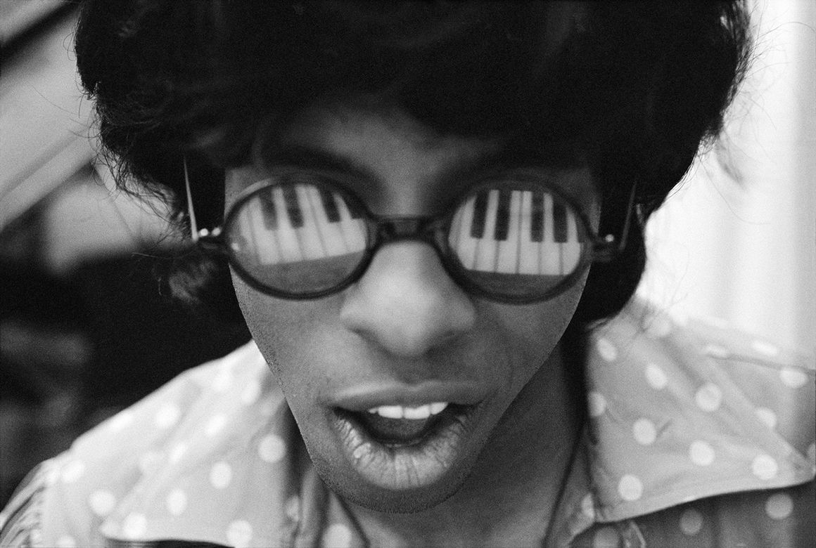 Petite and So What - photo Sly Stone